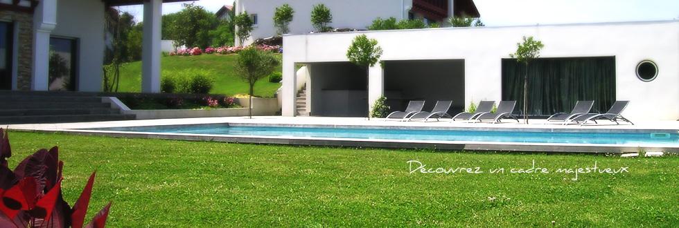 Lafitenia resort location de villa de luxe saint jean for Camping saint jean de luz avec piscine