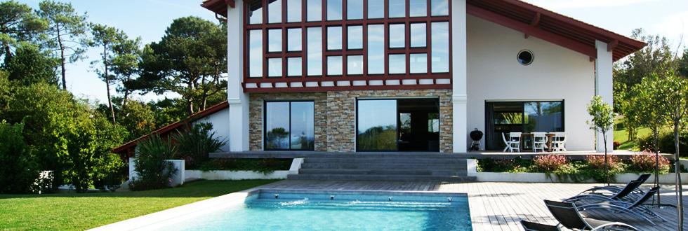 Lafitenia resort location de villa de luxe saint jean for Camping st jean de luz avec piscine